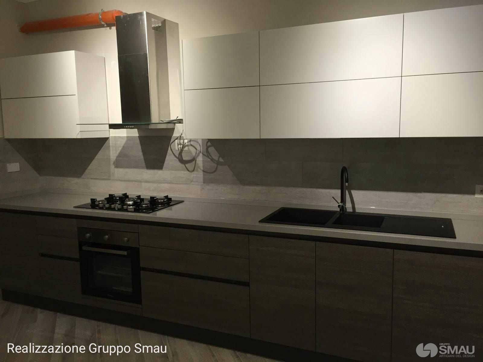 Realizzazione cucina e soggiorno appartamento roma est for Arredamento cucina roma
