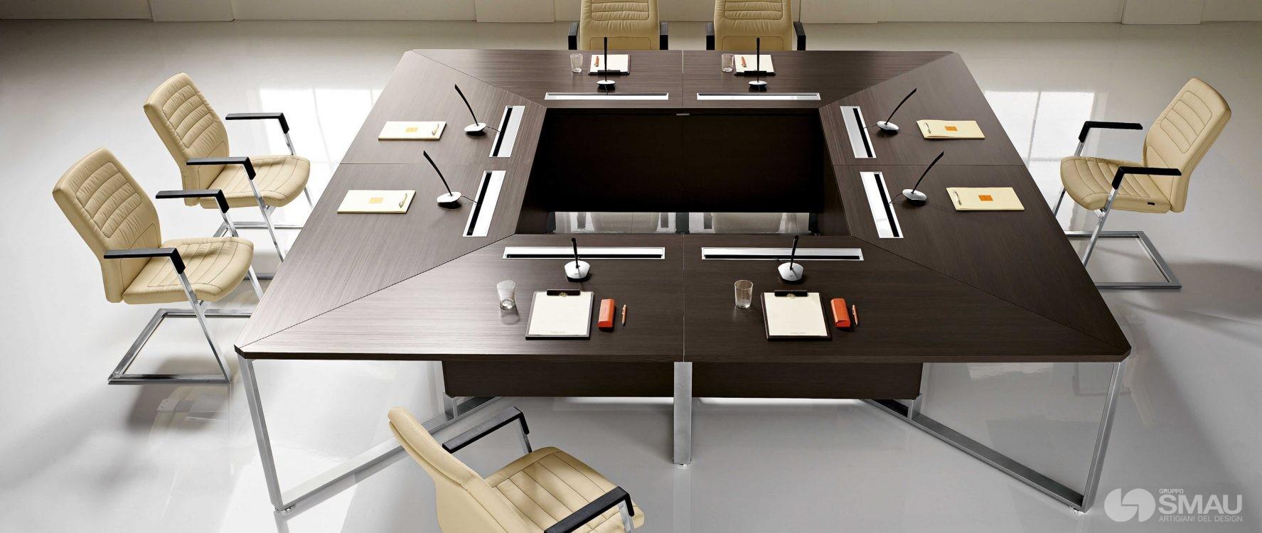 Ufficio presidenziale i meet gruppo smau for Arredo ufficio presidenziale