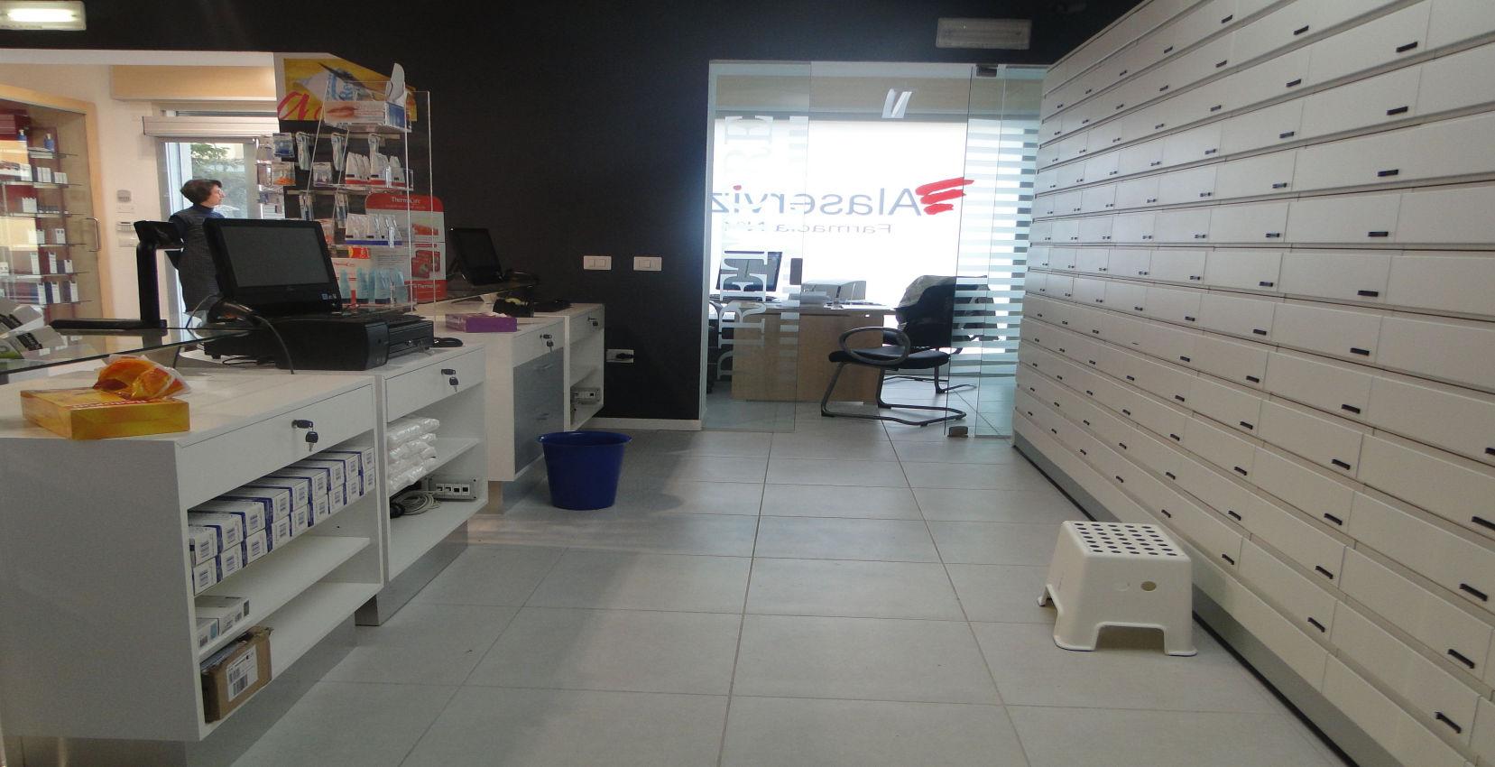 Ristrutturazione Farmacia Ladispoli (17)
